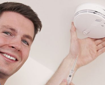 smoke-and-co2-detectors-are-your-tenants-safe